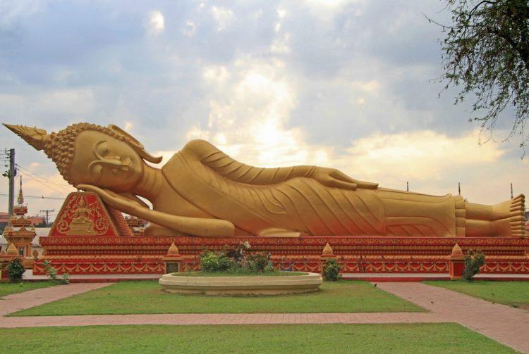 7-Wat_That_Luang_Tai-e1521433322749