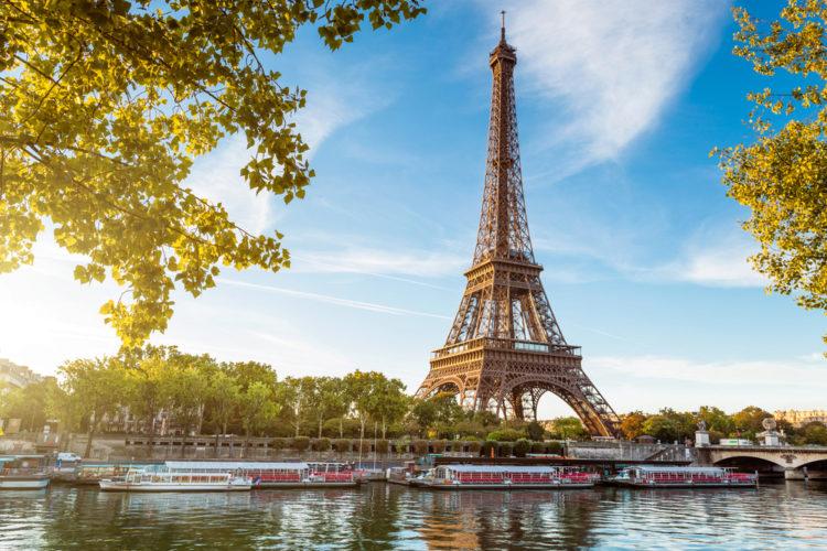 France-1-The-Eiffel-Tower-e1492754610997